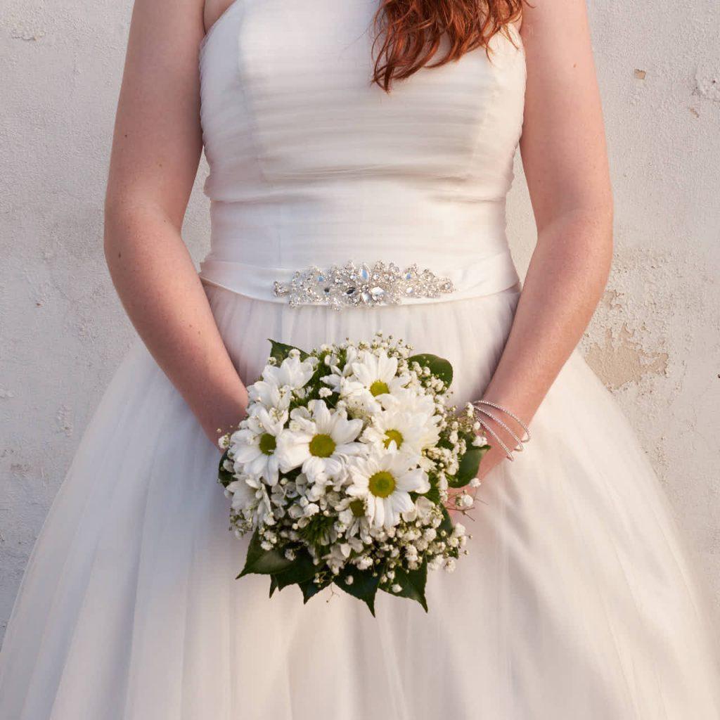 Braut steht an der Punta Brava unterhalb des Loro Parque auf Teneriffa
