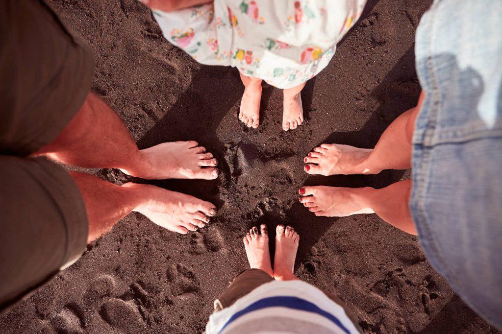 Fotograf Teneriffa macht ein Bild einer Familie im Urlaub